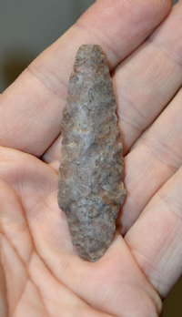 A pleasant Neolithic / Pre-Dynastic Egyptian flint / chert, tanged, arrow / spear point (EG1)  SOLD